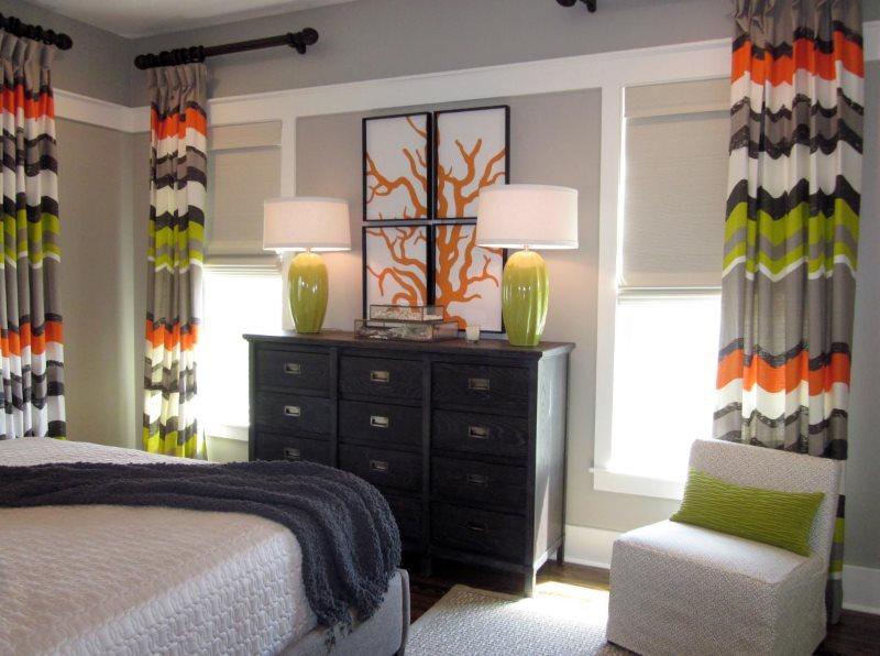 Дизайн спальни с портьерами в полоску