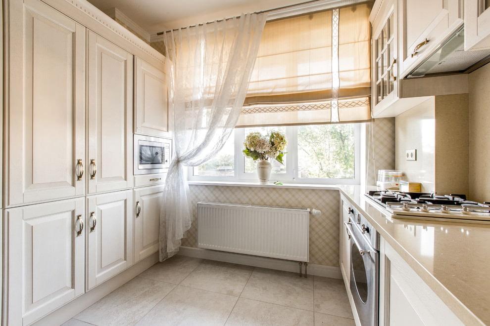 современная классика шторы кухня