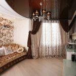 шторы в современной гостиной дизайн