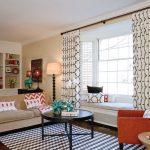 шторы в современной гостиной под интерьер