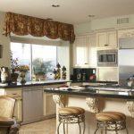 шторы для кухни в классическом стиле фото