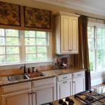 шторы для кухни в классическом стиле идеи фото