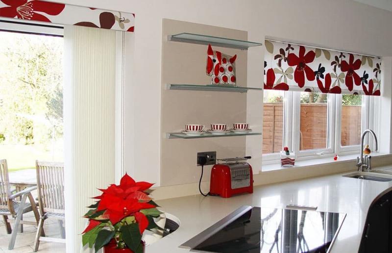 шторы для кухни в современном стиле