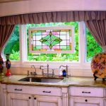 шторы с ламбрекеном на кухне