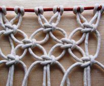 Геометрический узор из бельевой веревки