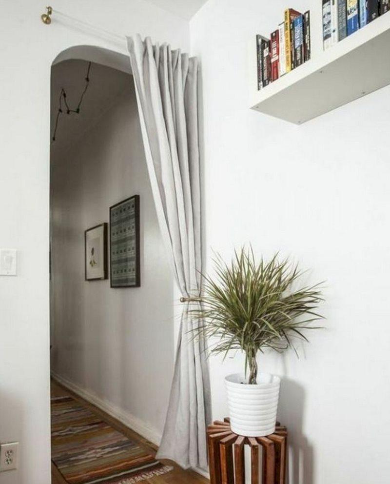 Декор прямой занавеской дверного проема