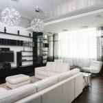 черно белый зал со шторами