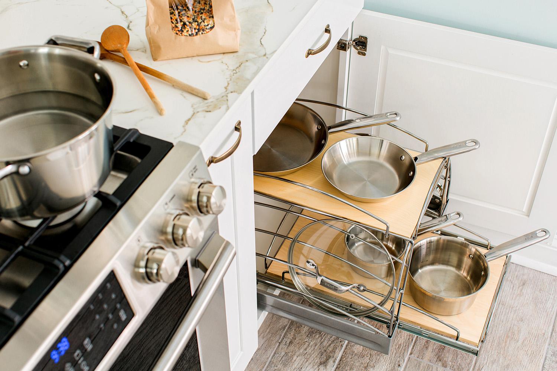 место для посуды на кухне