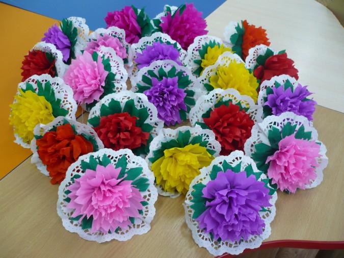 цветы из ажурных салфеток фото