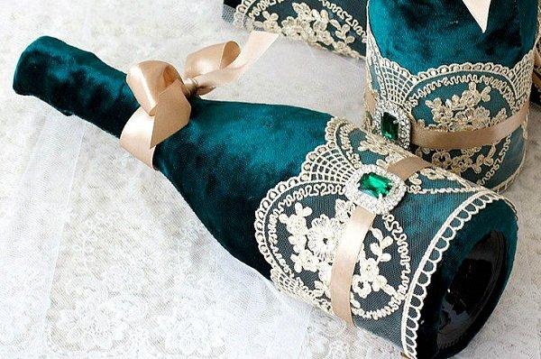 оформление бутылок шампанского на свадьбу бархатом