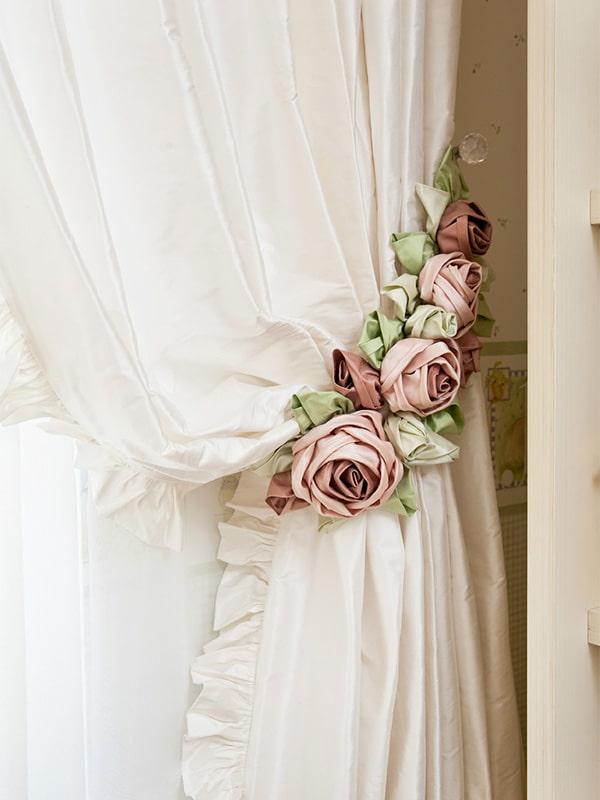 подхваты для штор с розами