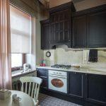 тюль на кухню с рулонными шторами