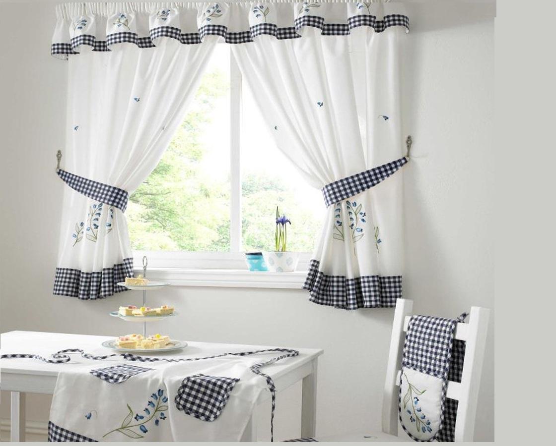 шторы на маленькие окна фото декора