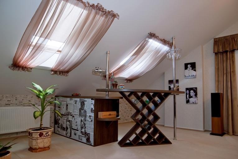 шторы на мансардные окна идеи декора