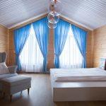 шторы на мансардные окна фото интерьер