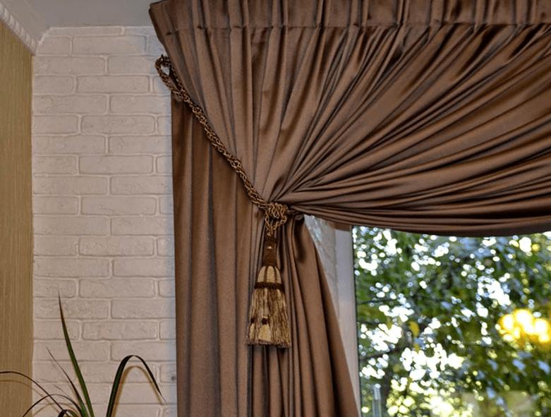 шторы на одну сторону окна идеи дизайн
