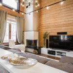 шторы в деревянном доме декор идеи