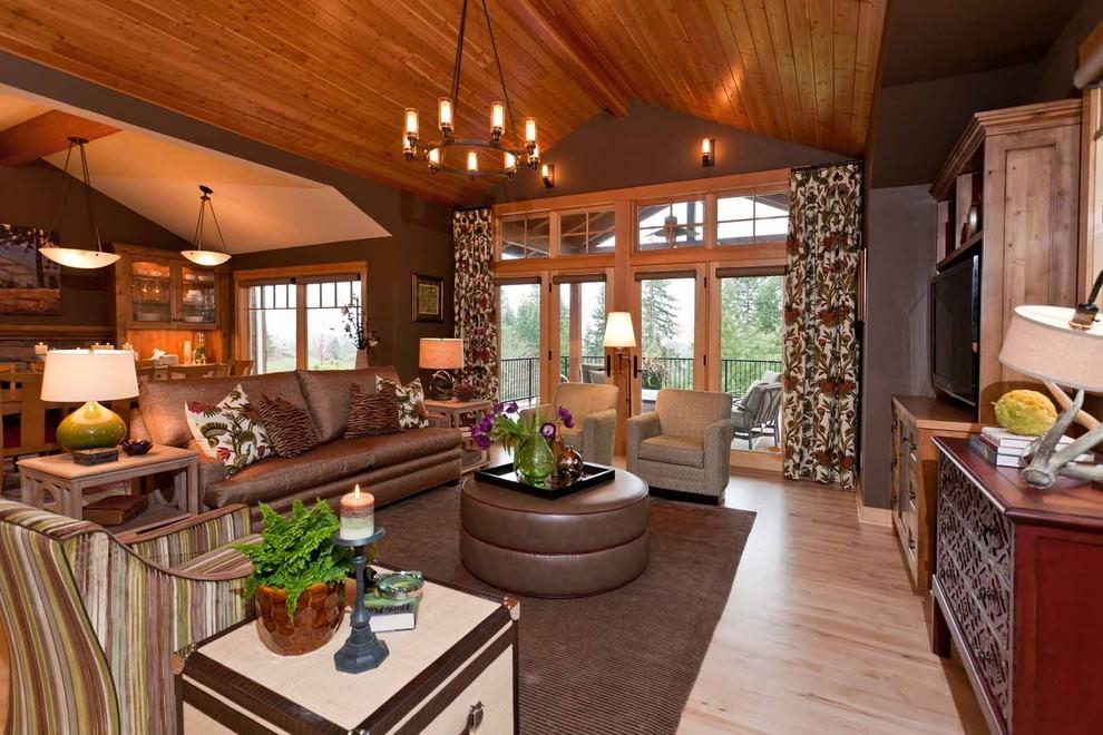 шторы в деревянном доме фото вариантов