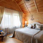 шторы в деревянном доме идеи дизайн