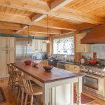 шторы в деревянном доме идеи варианты