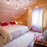 шторы в деревянном доме интерьер