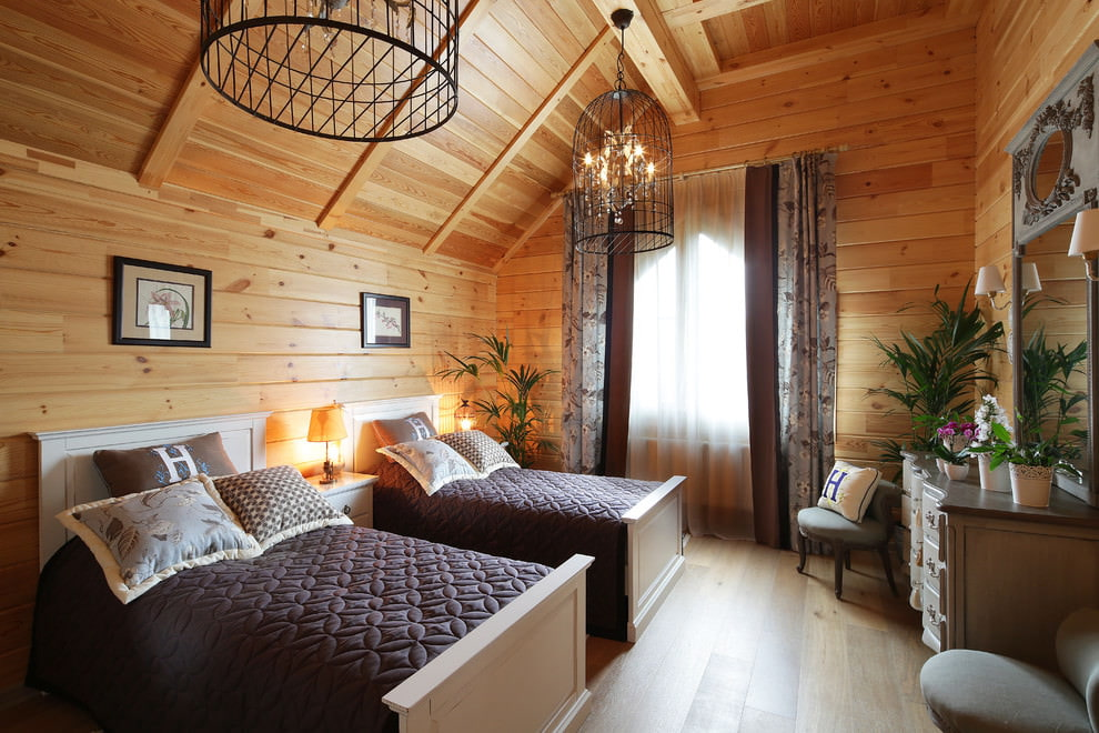 шторы в деревянном доме интерьер идеи