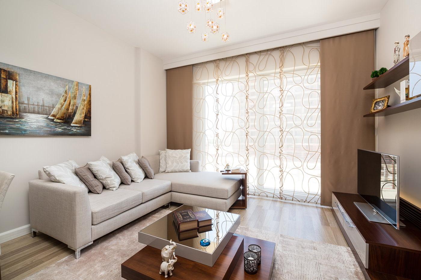 шторы с рисунком в гостиную