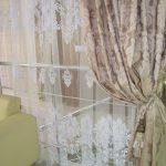 тюль с вышивкой и портьерами