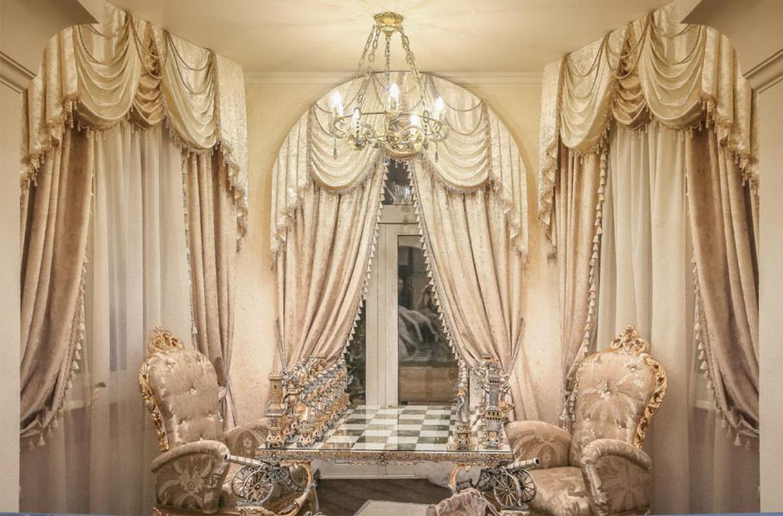 элитные шторы в зале