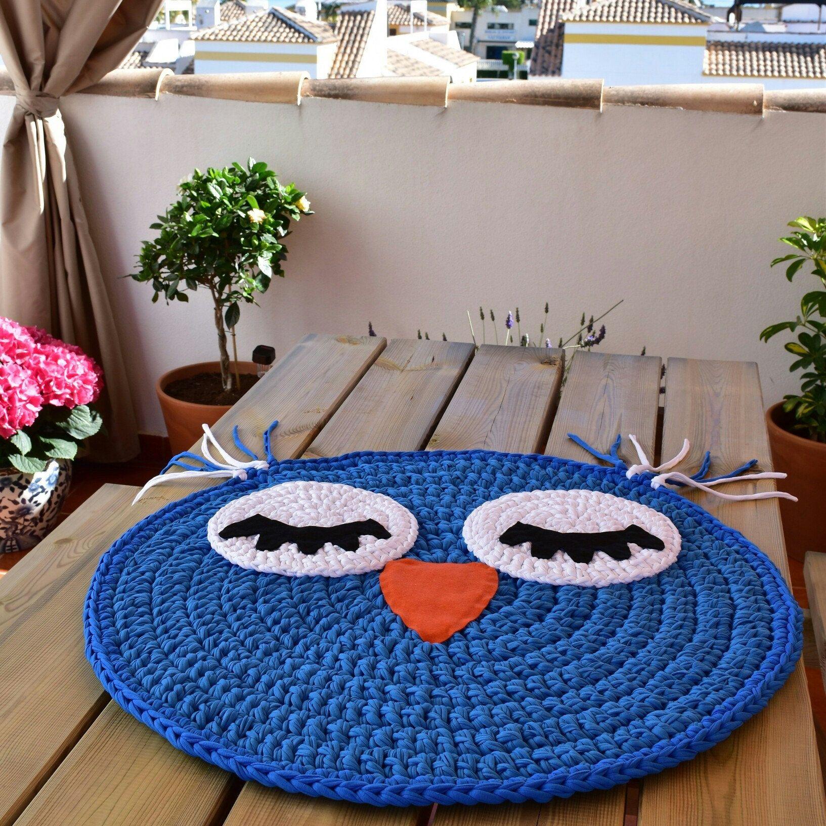 вязаный коврик сова дизайн фото