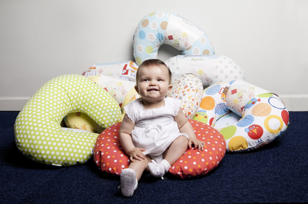 подушка для кормления малыша