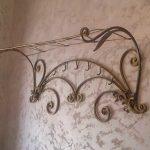кованые вешалки в прихожей фото оформление