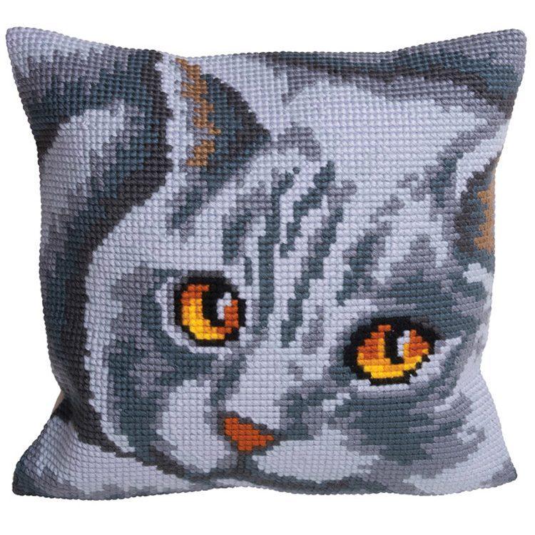 подушка крестиком котик