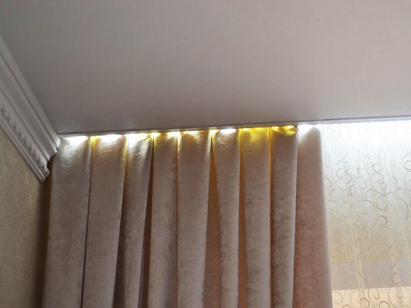 ниша для штор в натяжном потолке как сделать
