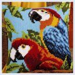 вышивка подушек крестиком попугаи