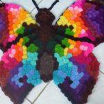 коврик из помпонов бабочка