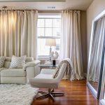 белые шторы в гостиной фото оформление