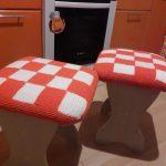 вязаные чехлы на стулья и табуреты дизайн
