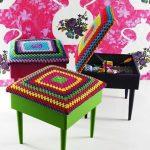 вязаные чехлы на стулья и табуреты идеи дизайна