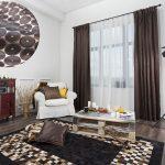 коричневые шторы интерьер фото