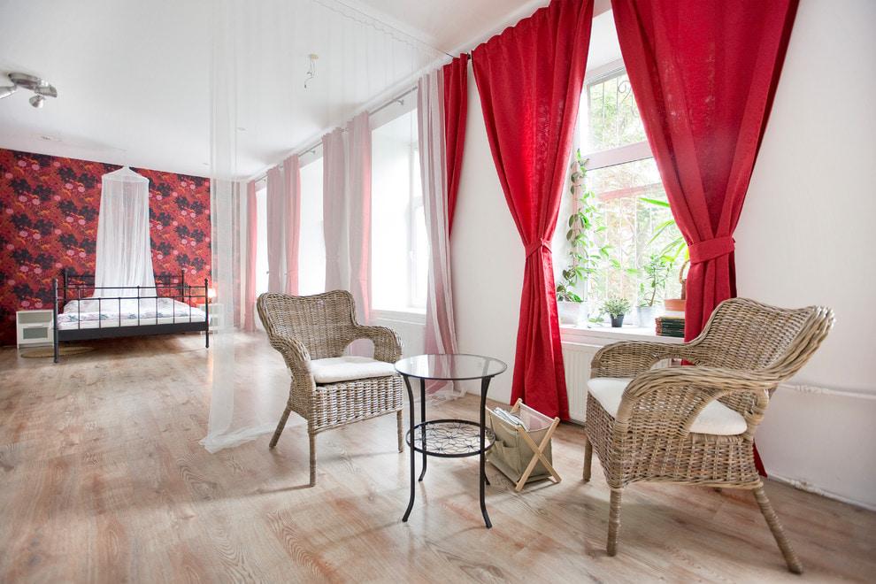 красные шторы декор фото