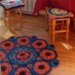 вязаные чехлы на стулья и табуреты идеи оформления