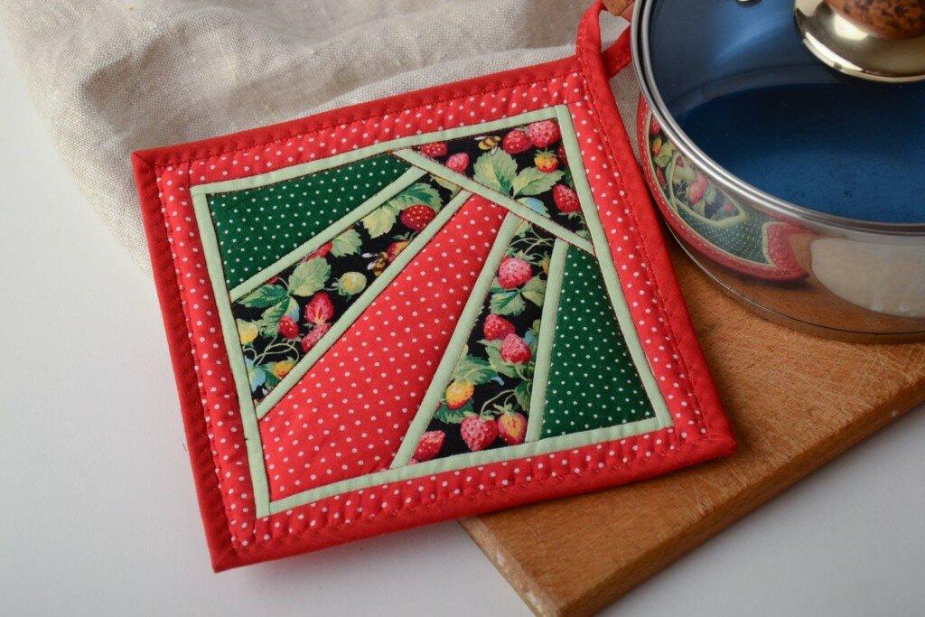 кухонные прихватки из лоскутков ткани фото