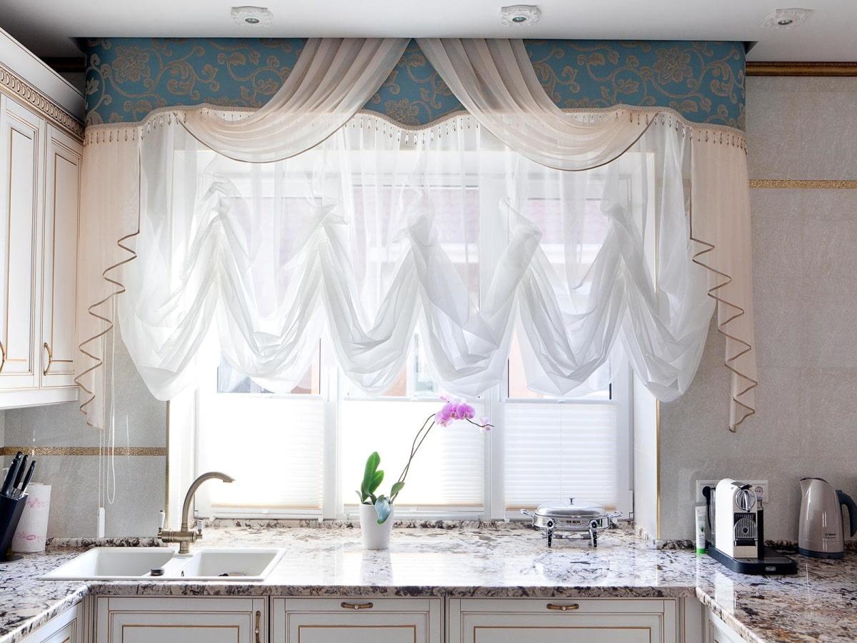 ламбрекены для кухни фото интерьер