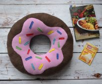 подушка пончик декор