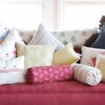 подушка валик фото декора