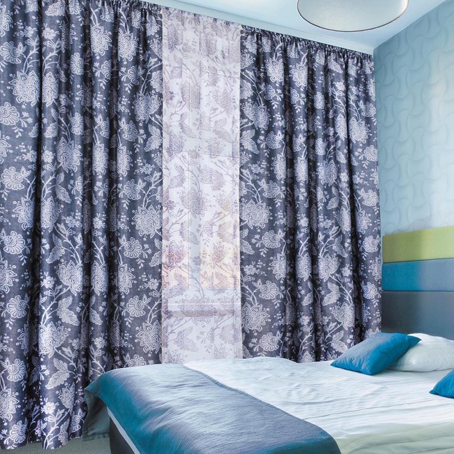 синие шторы дизайн