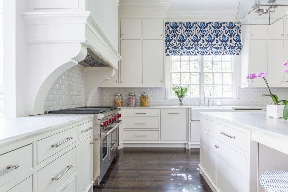 синие шторы интерьер фото