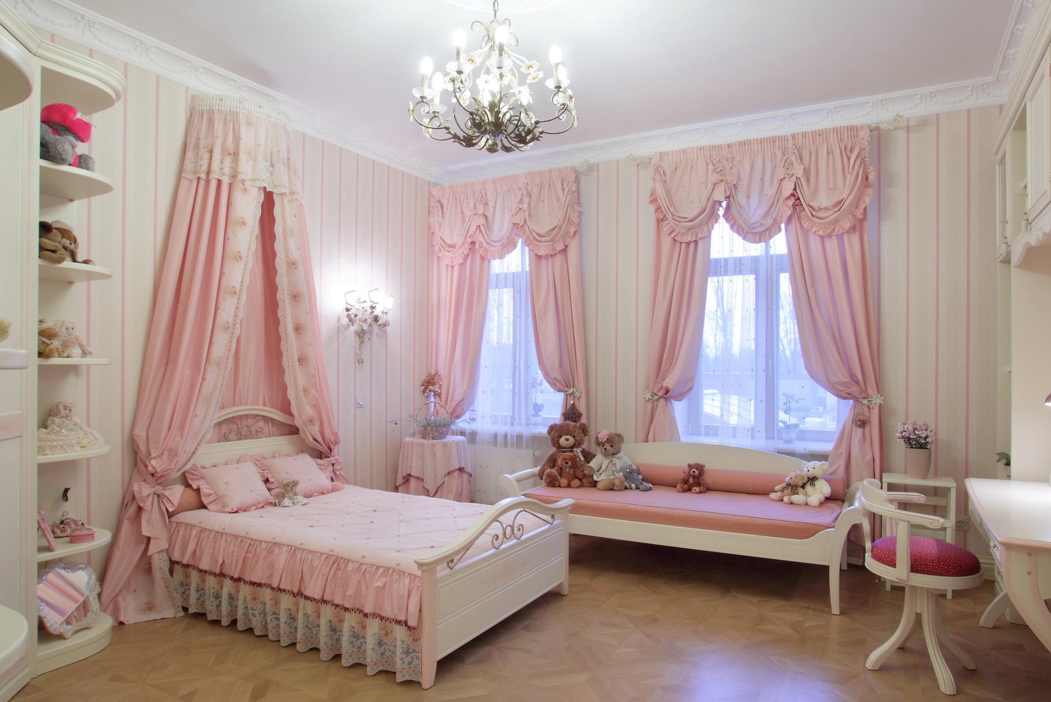 шторы в детскую в розовом цвете