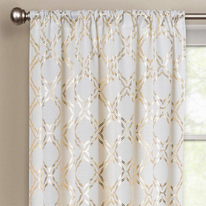 белые шторы с золотом